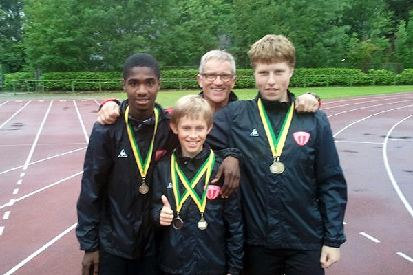 Foto van medailles voor atletiekteam