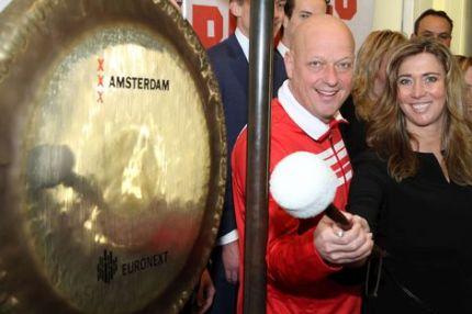 Only Friends en ABN|AMRO luiden samen de gong